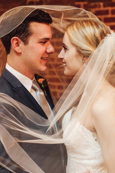 wedding veil bride and groom photos