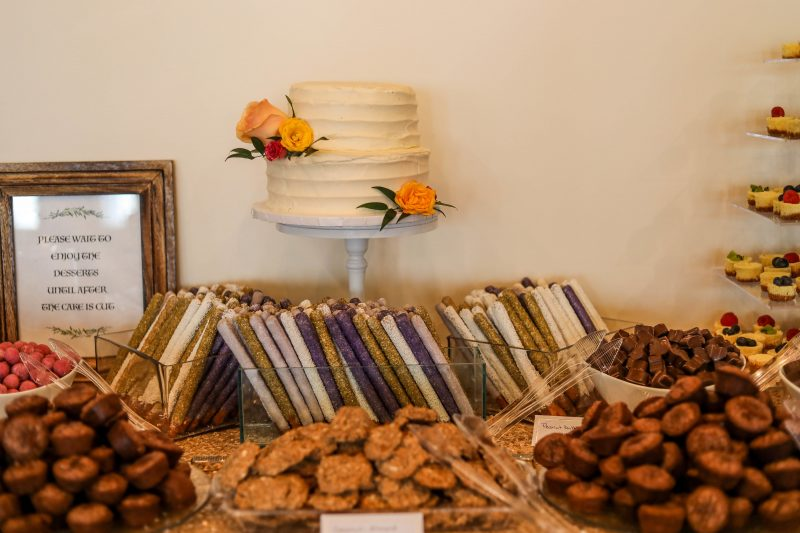 wedding cake cookie table